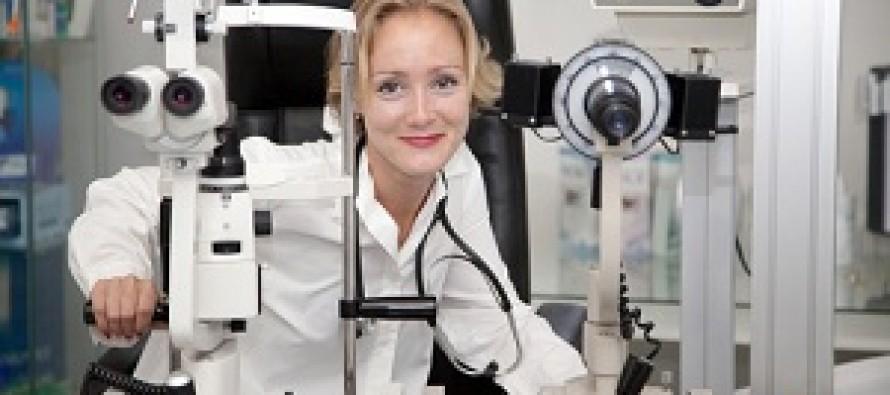 Как записать ребенка к офтальмологу?
