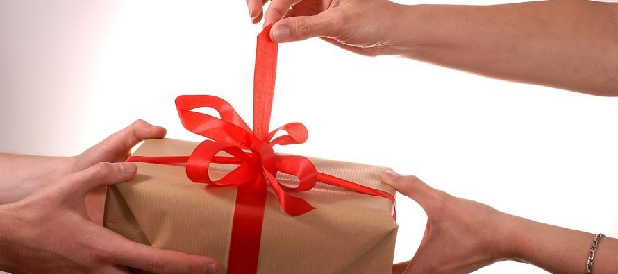 Какой подарок выбрать жене на День рождения